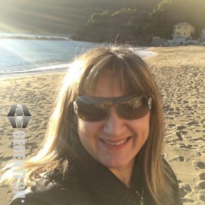 Paola - Barista - Donna  - 43 anni